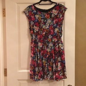 Alice + Olivia floral silk dress